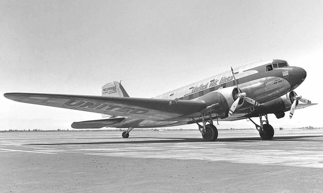 4. Douglas DC-3